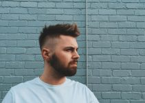 Tóc Quiff with spikes and closely clipped sides-min